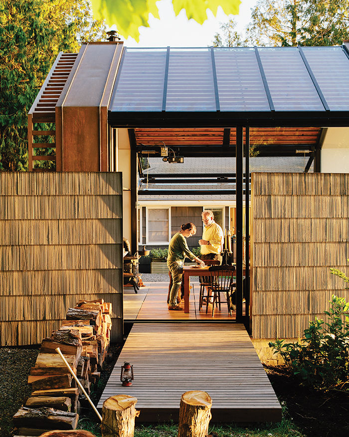 vashon-show-shingled-walls-cedar-deck.jpg
