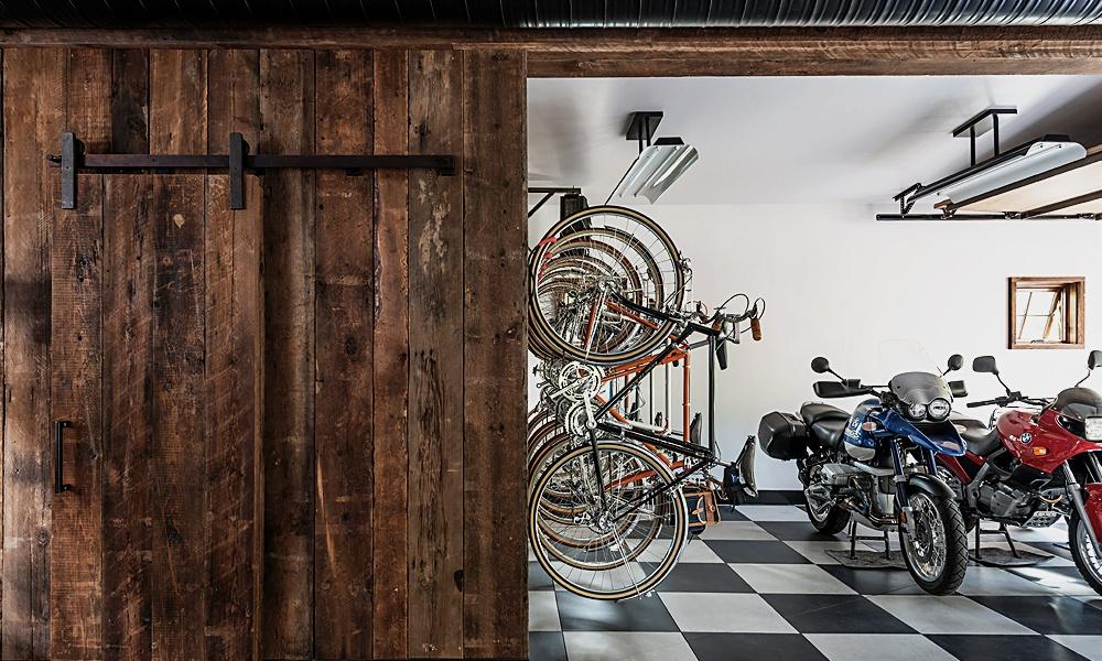 rustic_garage.jpg