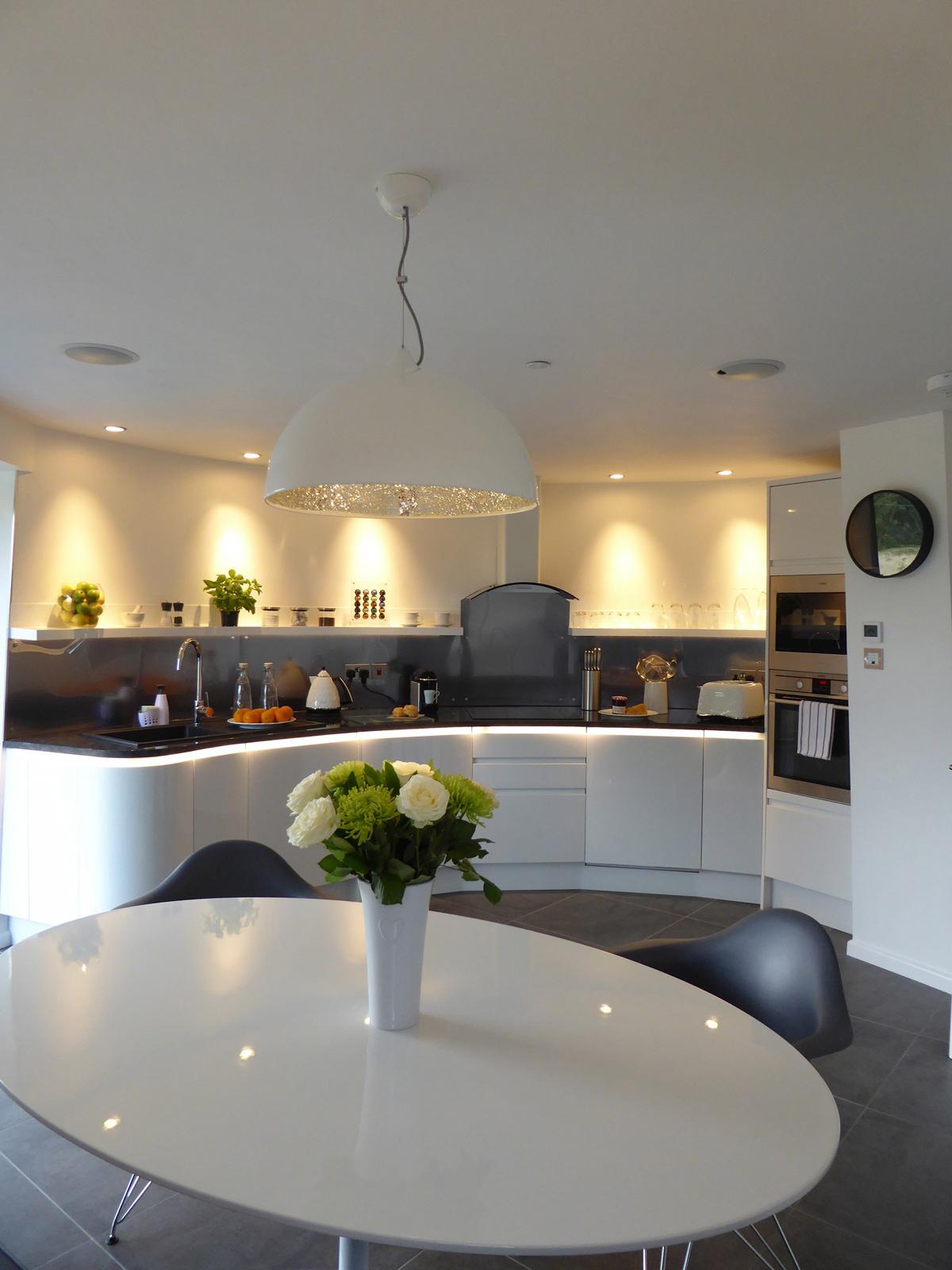 guest_house_livingroom.jpg