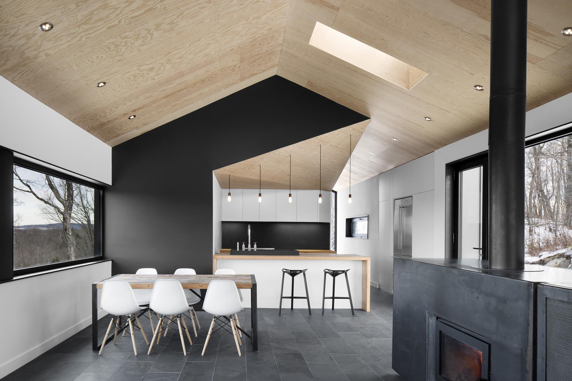 interiorline_bolton_residence.jpg