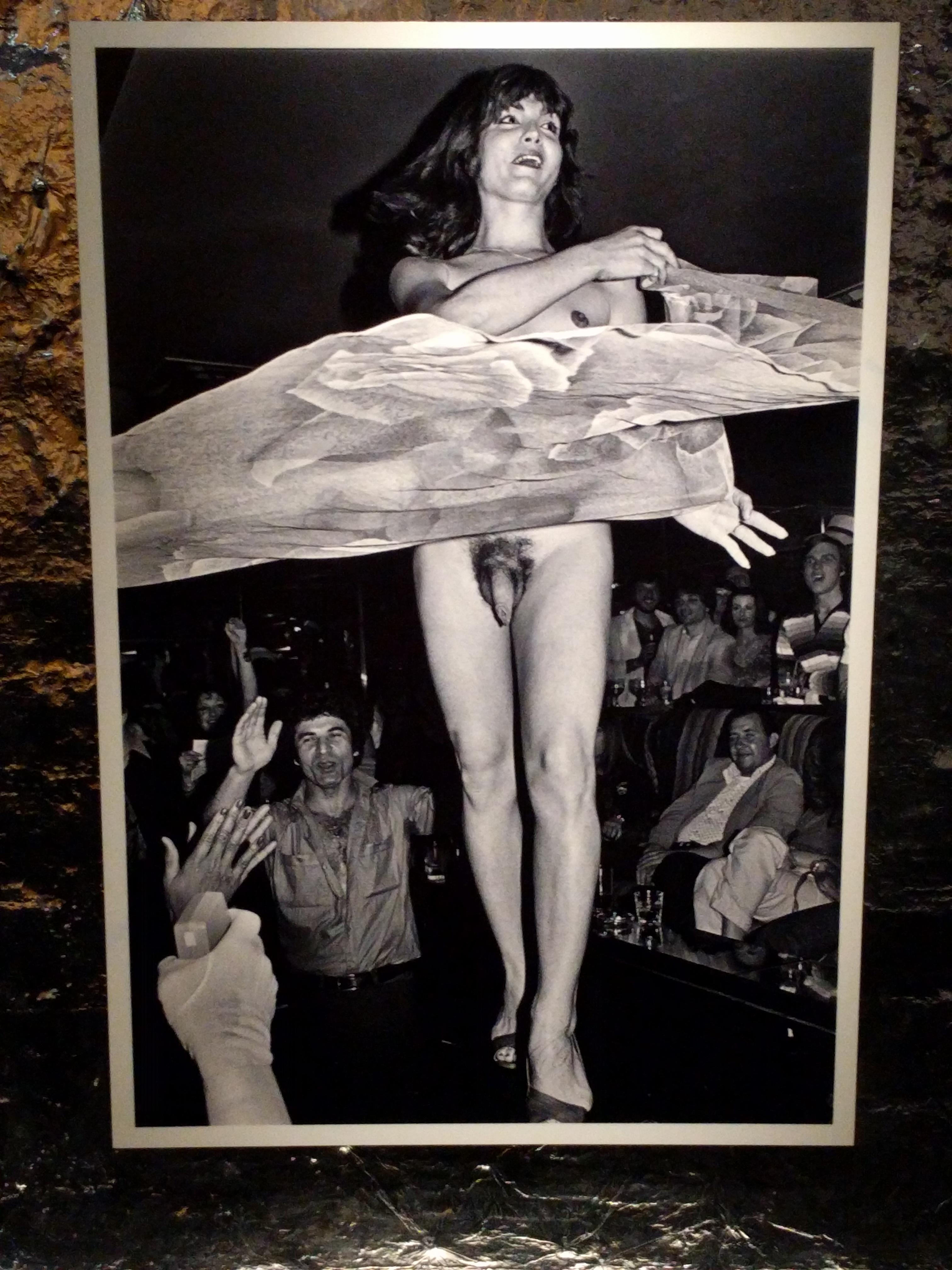 A múzeum egyik kiállítása az  1970-es években megnyílt legmenőbb new york-i éjszakai klubokat mutatta be, ahol igen szabadosan kezelték a szexhez való viszonyt.