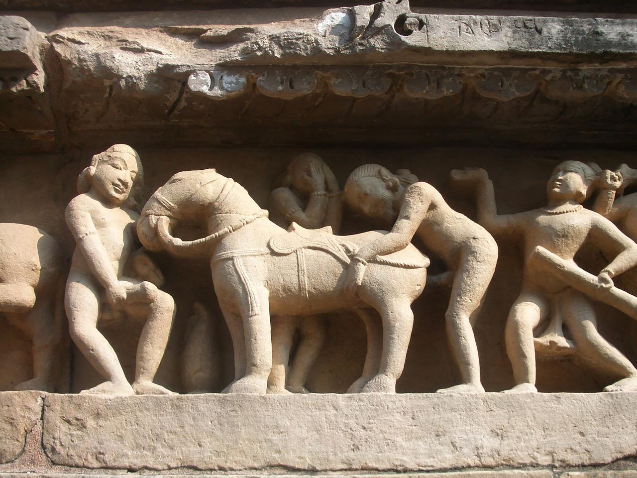 khajuraho-882341_1280.jpg