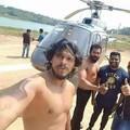 Utolsó szelfi: így ugratta halálra a két srácot Bollywood