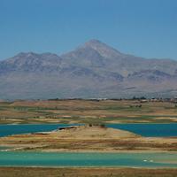 Chadegan lake between Bakhtiari and Esfahan province