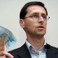 Válasz Varga Mihálytól a közmunkabér és a minimálbér közti különbségről