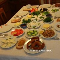 Így reggelizik Szulejmán modern kori népe!