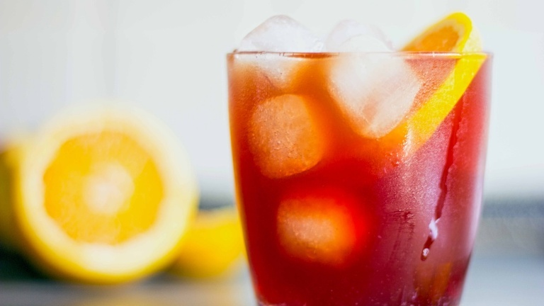 1620-negroni-cocktail-recipe-cocktail-gin-campari-bitter-sweet-vermout-top-cocktails.jpg