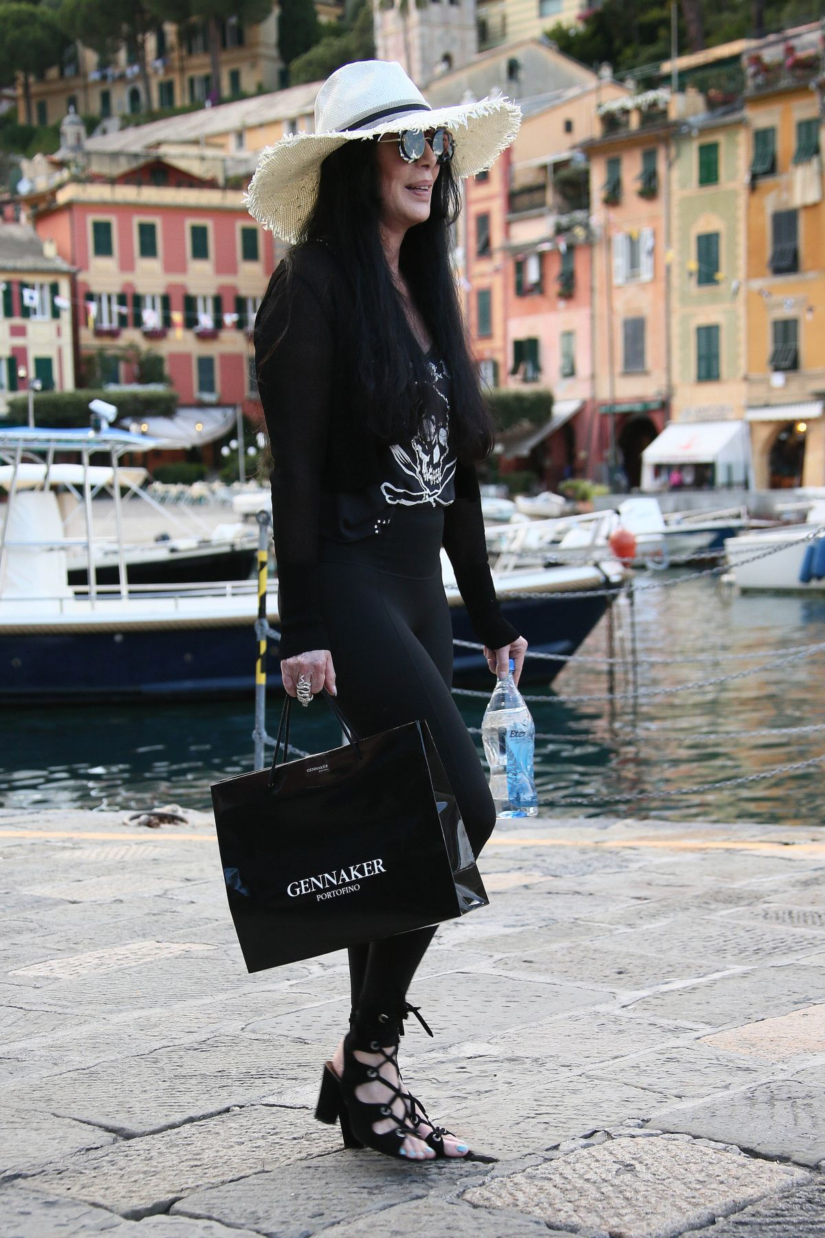 cher-out-with-her-friends-in-portofino-06-21-2016_6.jpg