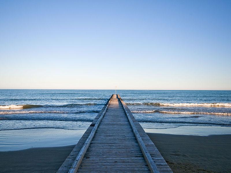 jesolo_spiaggia_con_pontile.jpg