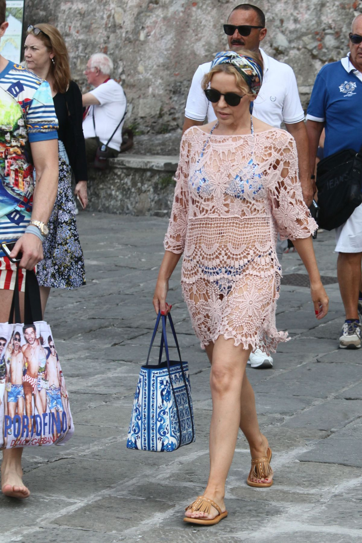 kylie-minogue-at-a-boat-in-portofino-07-13-2015_3.jpg