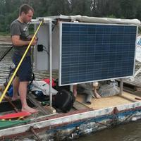 PET Kupa: ásványvizespalack-hajóval csorogni le a Tiszán