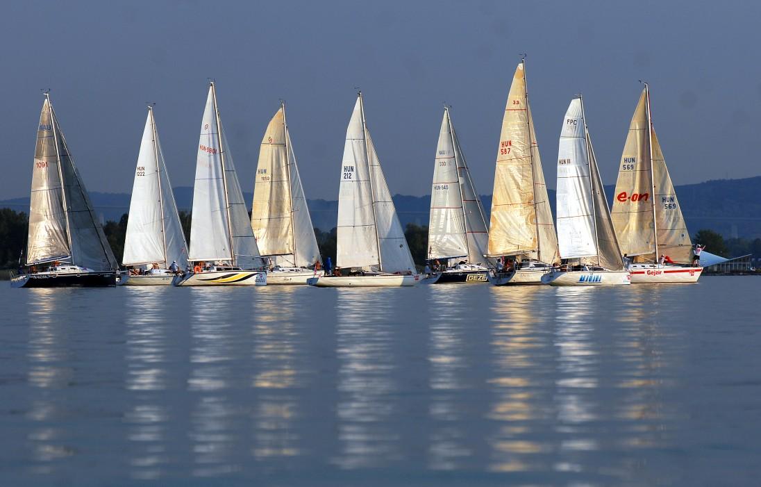 sailingphoto-22_1096x1096.jpg