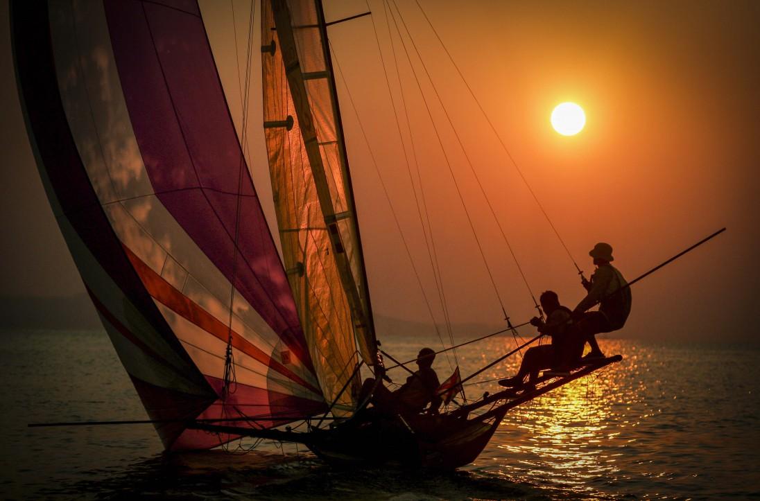 sailingphoto_-13_1096x1096.jpg