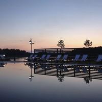 Itt a világ 10 legszebb medencéje - közte Tiszafüred is!