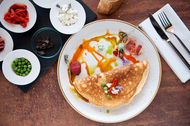 updown_breakfast_mra9666.jpg