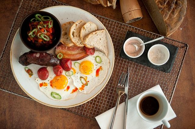 updown_breakfast_mra9851.jpg
