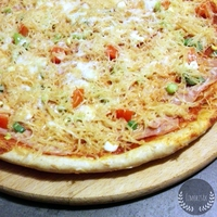 Tönkölylisztes pizza házi paradicsomszósszal