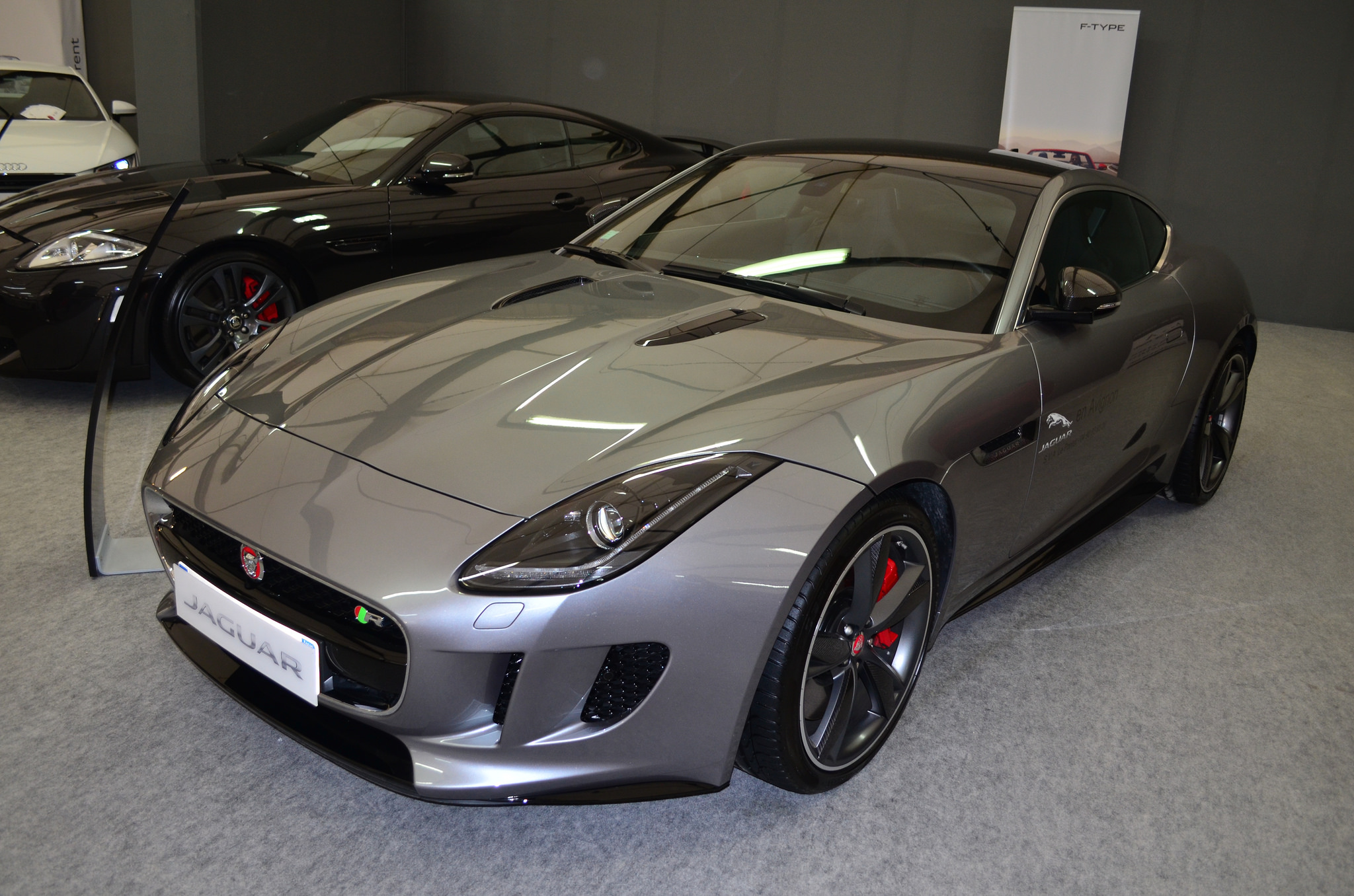 jaguarf-typercoupe.jpg
