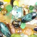 Falcsik Mari: Gyöngyről és üvegről