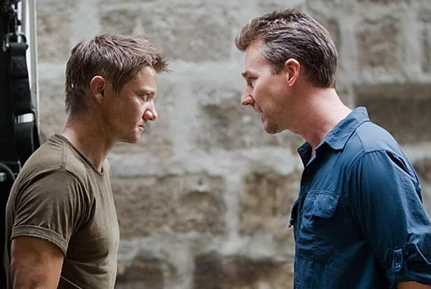 Renner és Norton a Bourne hagyaték.jpeg