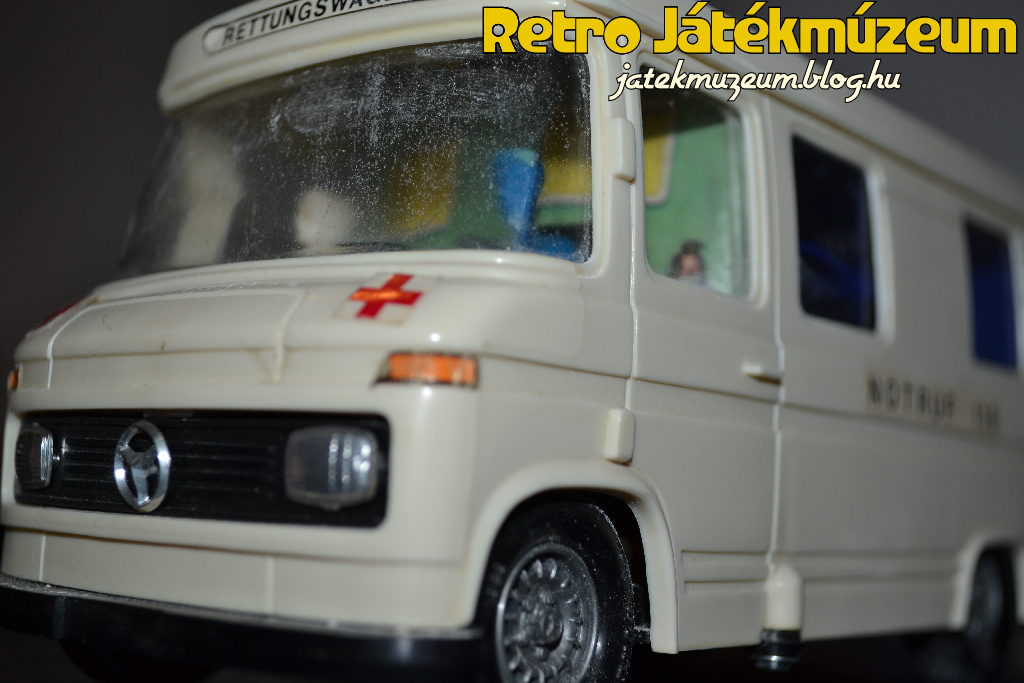ambulance1_1.JPG