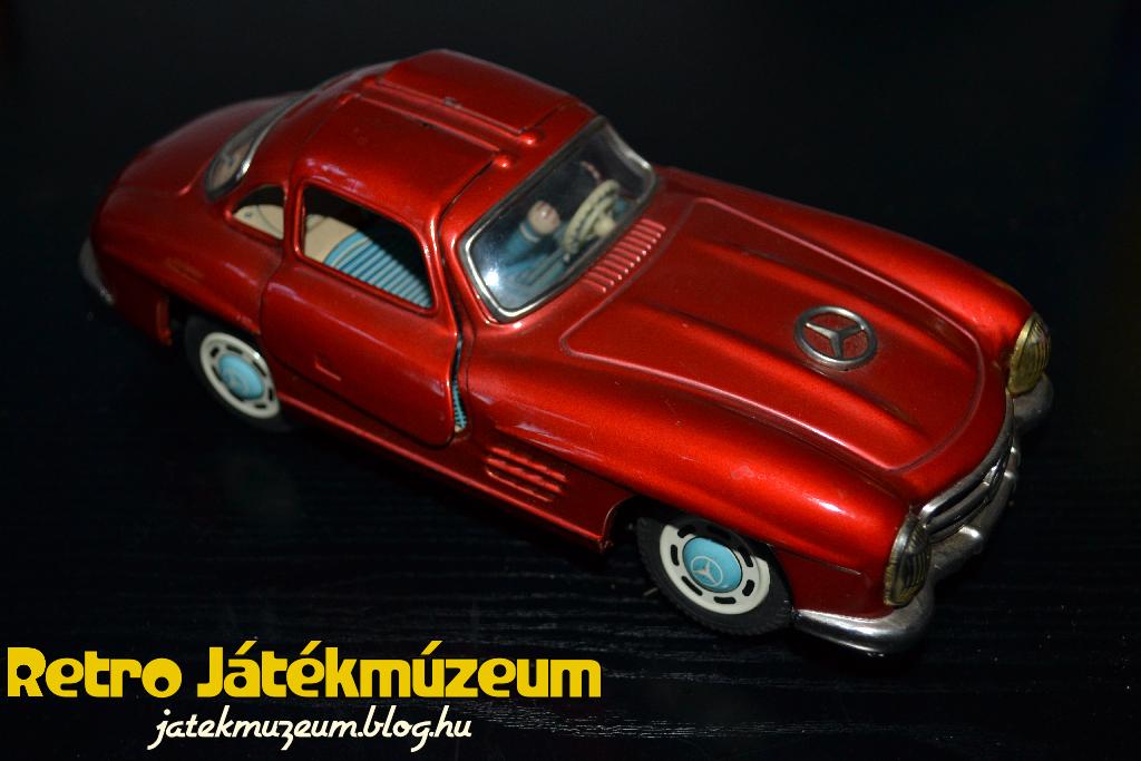 mercedes300gullwing1.JPG