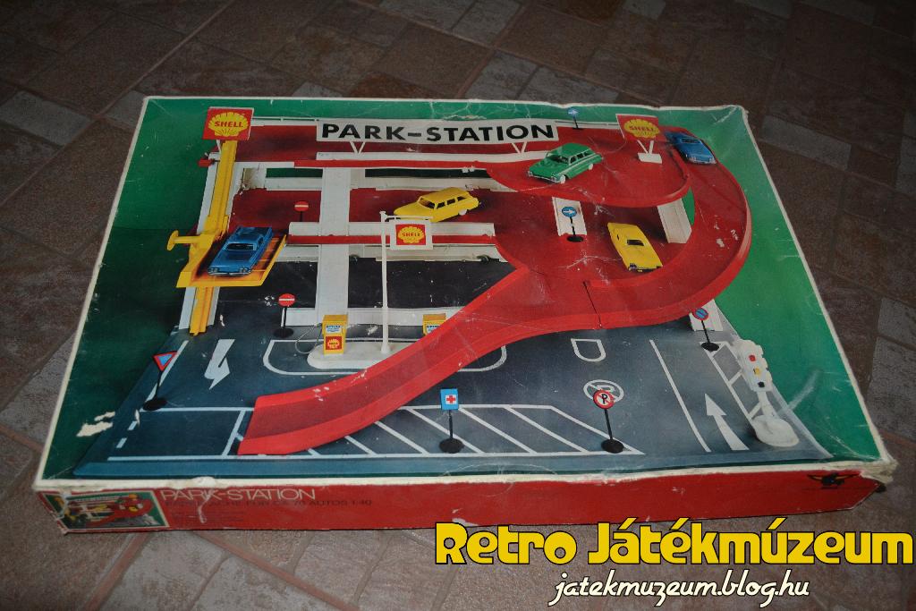 Play-Big Park Station