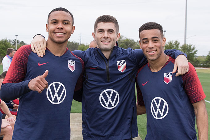 1595926675449-1595923814028-mckennie-pulisic.jpg