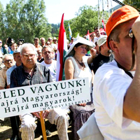 Kell-e haragudnunk a külhoni magyarokra?