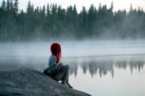 alone-girl-near-river-waiting-for-you-hd-wallpaper.jpg