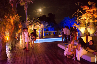 How does the foodie jet set party in Ibiza? With Hungarian foie gras, of course!