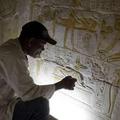 Egyiptomban hét újabb sírt nyitnak meg