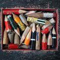 Ceruzák között