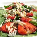 Epres kéksajtos spenót saláta