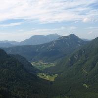 Kilátás a Ravenska Kocna völgyre a hegyről