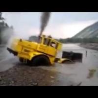 Traktorral a világvége ellen