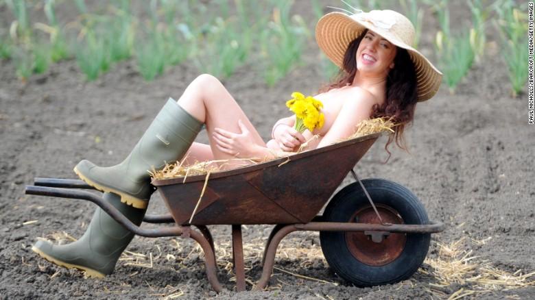 160427121452-world-naked-gardening-day-restricted-exlarge-169.jpg