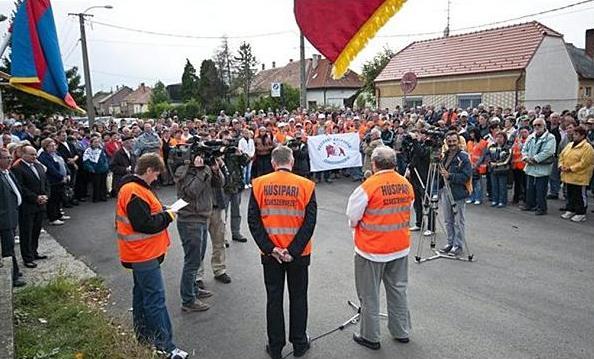 kapuvári húsgyár tüntetés.JPG