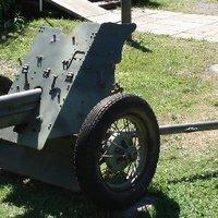 28. Szovjet páncéltörő ágyúk műanyagból