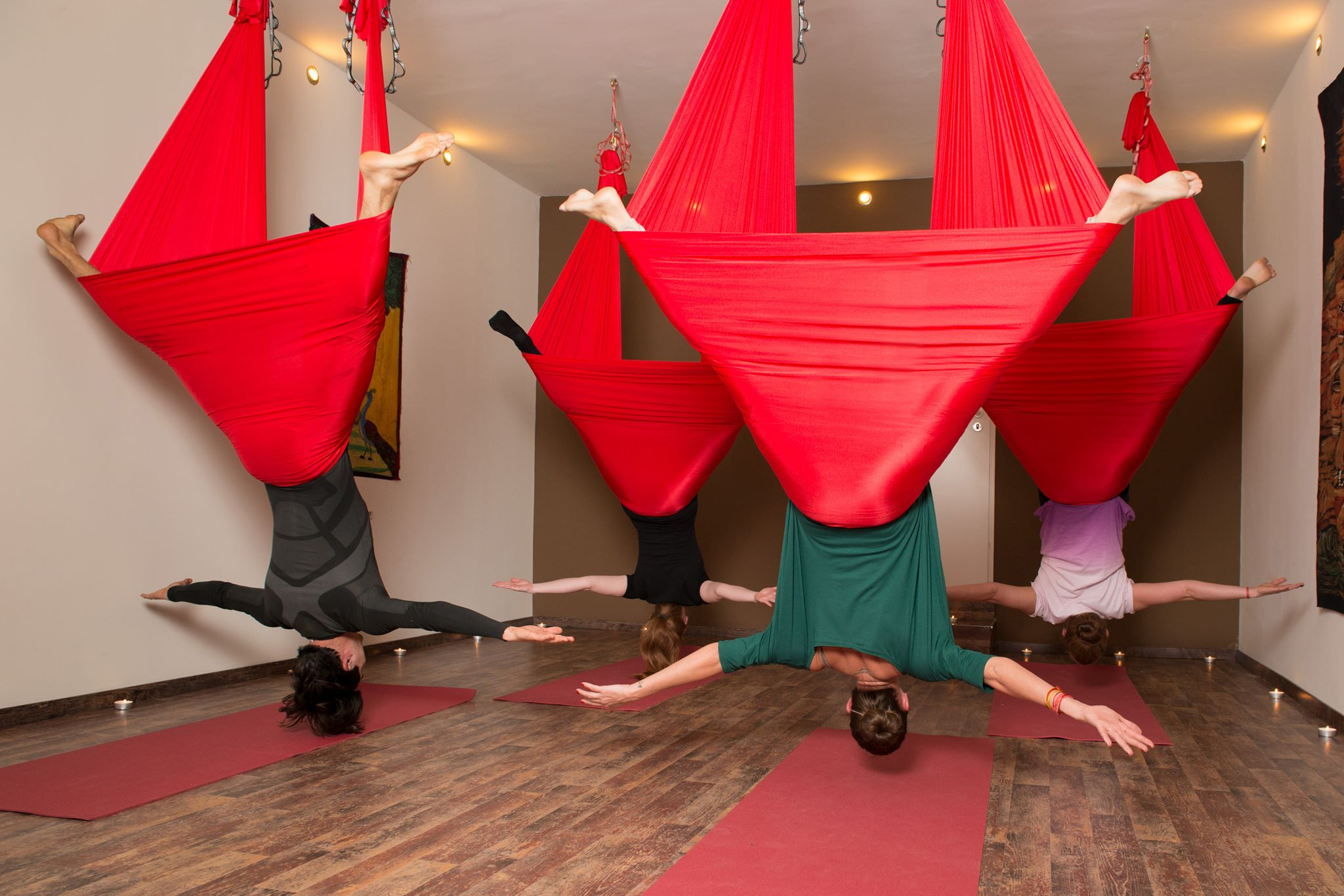 antigravity_yoga_2.jpg