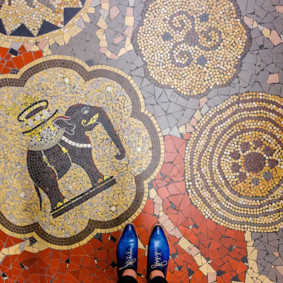 sebastian-erras-captures-the-beauty-of-parisian-floors-14-960x960.jpg