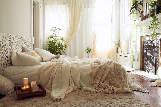 white_bohemian_bedroom_calming_zen_relaxing.jpg