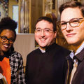 Reverendásból farmeres papot csinált három francia egyházmegye a reklámfotóján