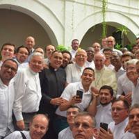 A jezsuita rendtársai felé reagált Ferenc pápa az Amoris Laetitiát ért kritikákra