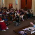 Vállalhatatlan politikus mondott kortesbeszédet egy olasz katolikus templomban