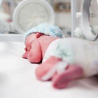 Ír nővér: a mosdókagylóban, a klinikai hulladék közt hagyták meghalni az abortuszt túlélő kisbabát