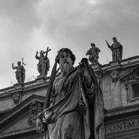 Megérkezett Ferenc pápa első korrekciója