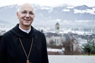 """Újabb püspök csatlakozott a püspökök """"hitvallásához"""""""