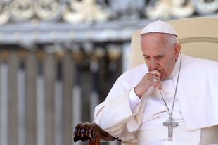 Egy párizsi konferencián a pápa leváltásának kérdését vizsgálják