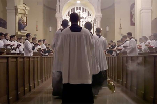 Egyházzenei remek születik Nebraskában, Grammy-díjas producerrel